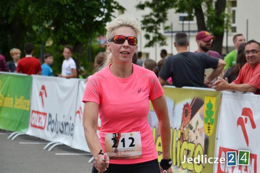 Wśród kobiet zwyciężyła Elżbieta Styś z Wrocanki z czasem: 42:27.35